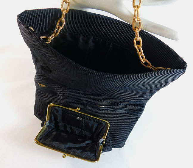 Of All The Years I Have Been Collecting 1940 S Corde Handbags This Is First Fold Over Handbag Come Across Pee Black When