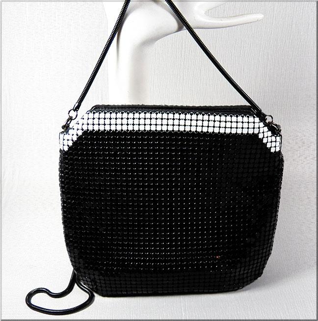 47e37501ebcd Vintage Black and White Handbags